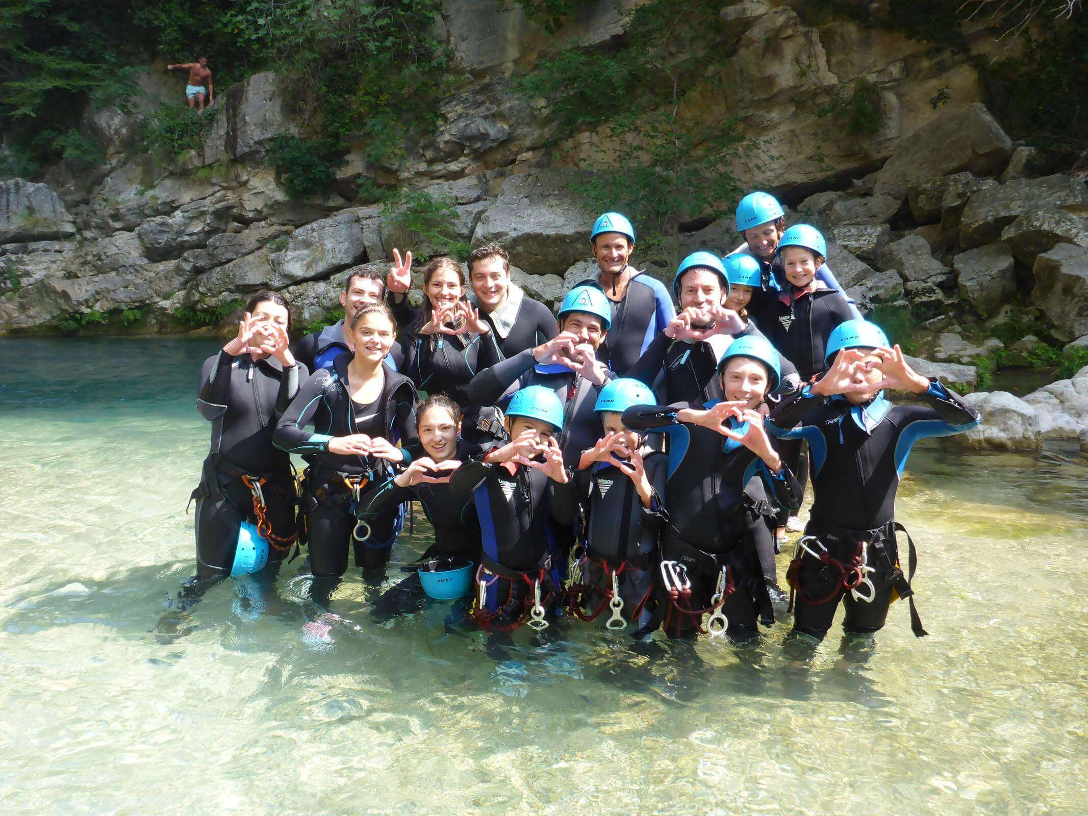 Groupe dans les Gorges du Loup - Lesgeckos