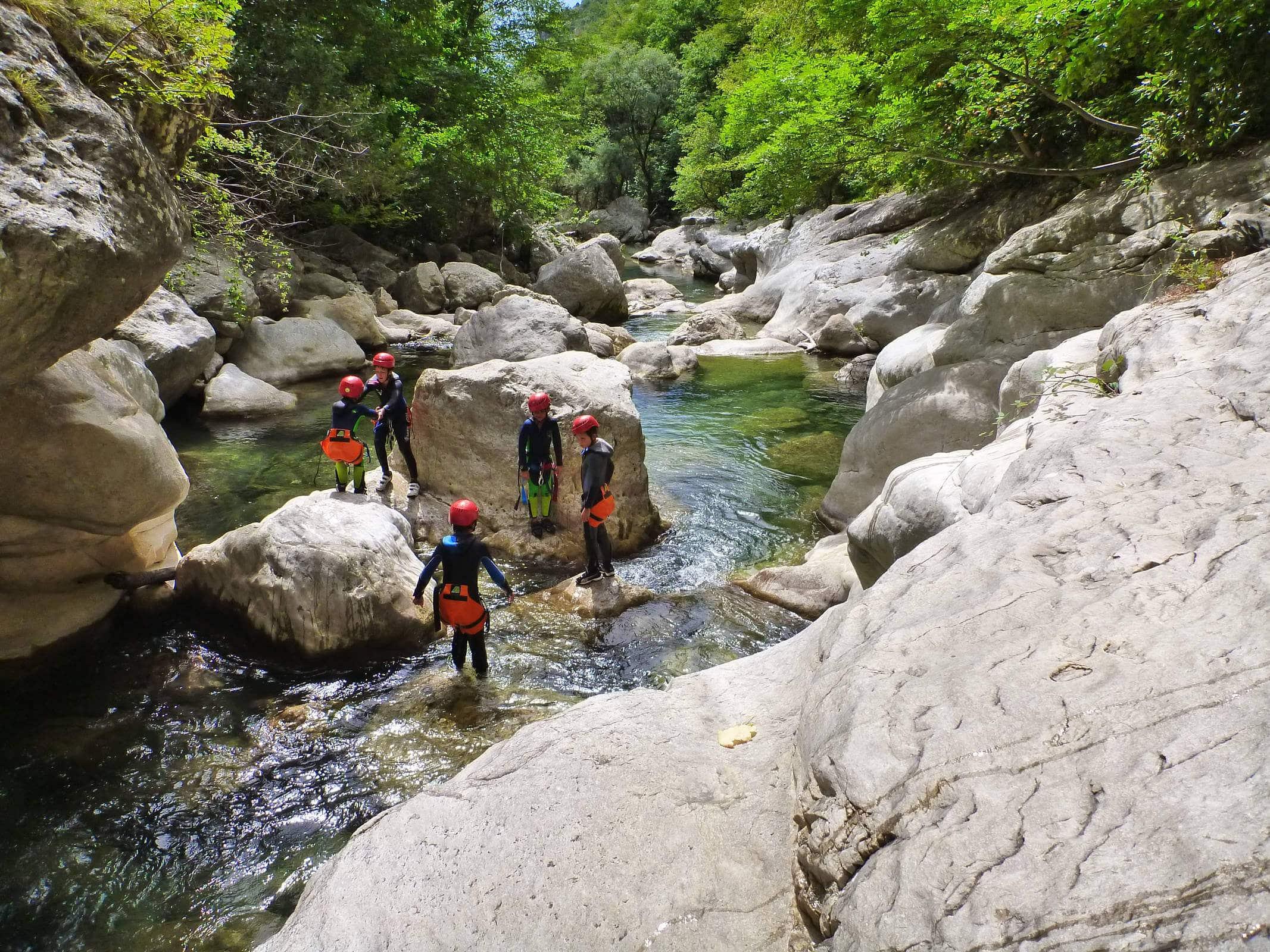 Initiation canyoning dans les Gorges du Loup - Lesgeckos