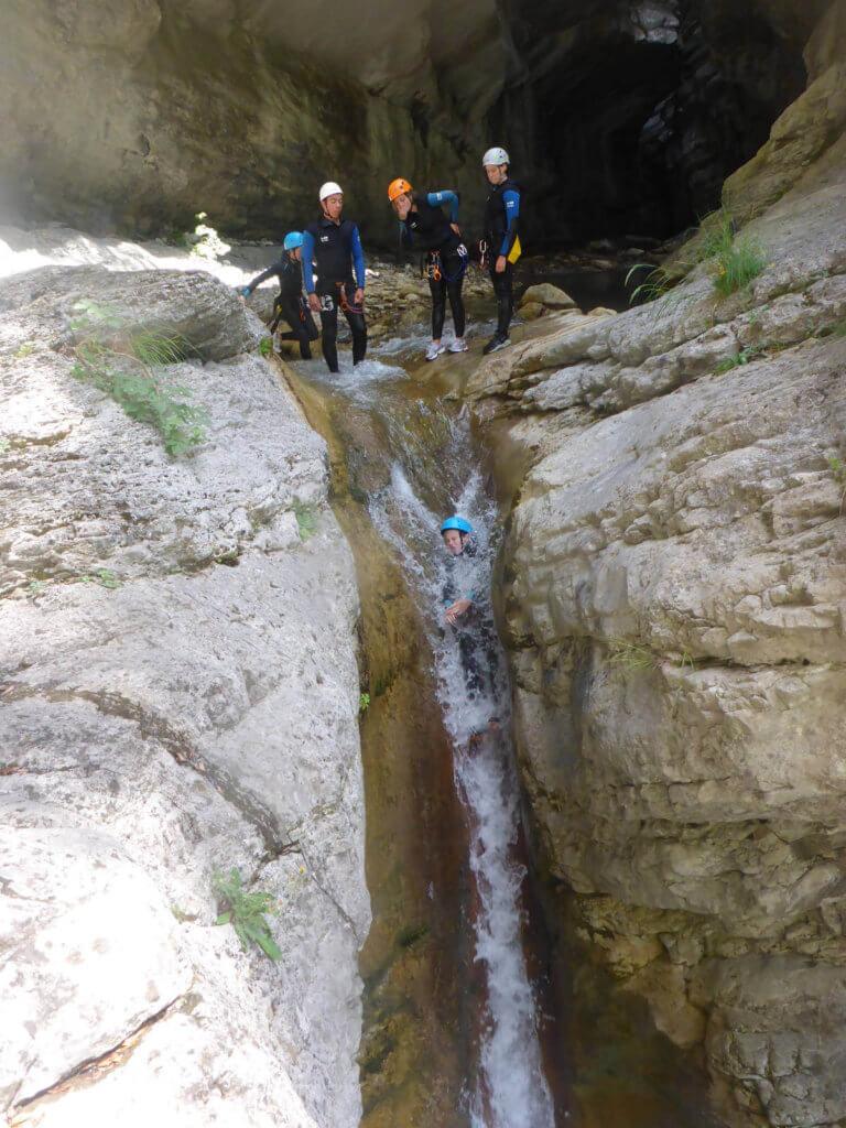 Toboggan dans le canyon de Cramassouri - Lesgeckos