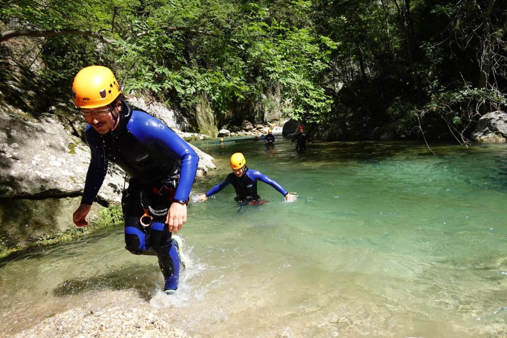 Déconfinement à la fraiche dans le Canyoning des Gorges du Loup - LESGECKOS